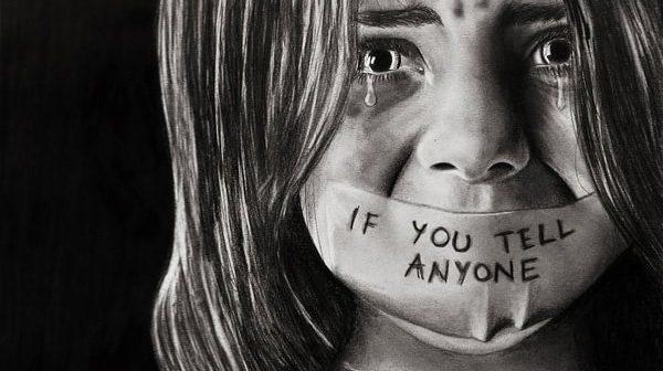Cần dạy bé gái những gì để đề phòng nạn ấu dâm