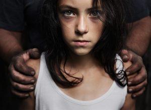 Trẻ cần được dạy cách chống cự quyết liệt khi bị bắt cóc