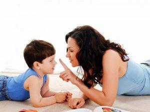 Cha mẹ cần nói chuyện với con về những vấn đề nhạy cảm
