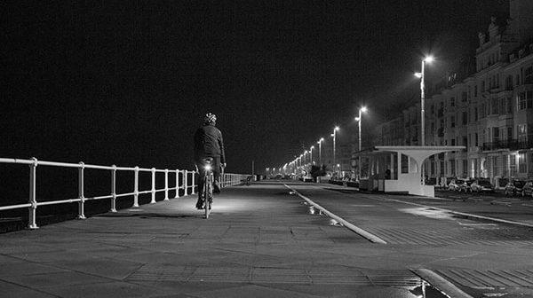 Nguyên tắc vàng để tự vệ khi đi một mình vào ban đêm