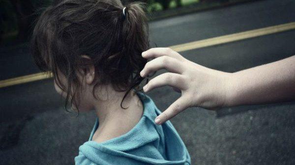 6 quy tắc an toàn giúp trẻ đi học một mình không bị xâm hại