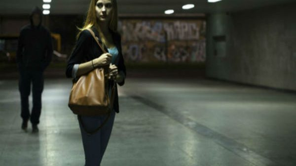 10 bài học giúp phụ nữ ra đường một mình vào ban đêm an toàn