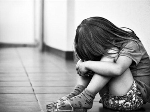 Không trông nom, giám sát trẻ cũng là một hình thức xâm hại trẻ em ít người biết