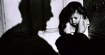 7 điều bạn cần tránh nếu không vướng vào tội xâm hại trẻ em