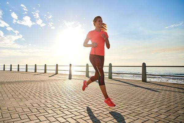 Chạy bộ kết hợp với tập gym giúp cơ thể dẻo dai hơn
