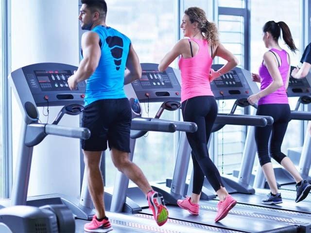 Chạy bộ kết hợp với phòng tập để nâng cao hiệu quả